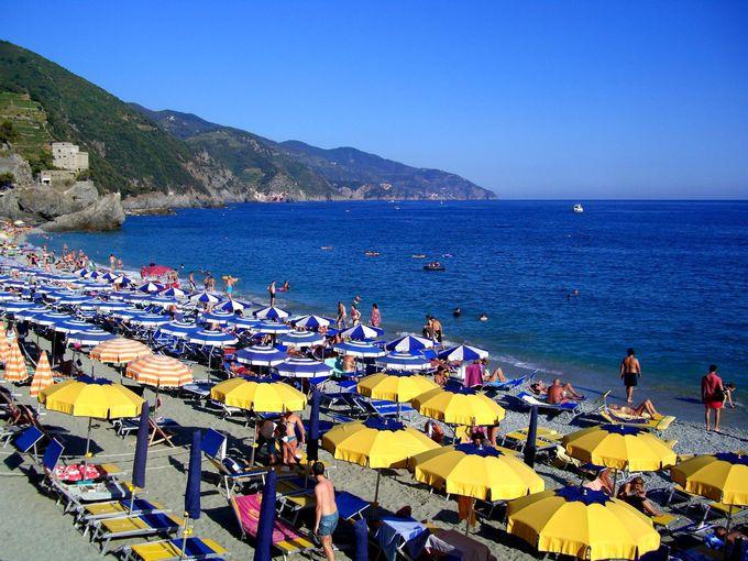 モンテロッソ・アル・マーレで地中海ビーチを満喫!