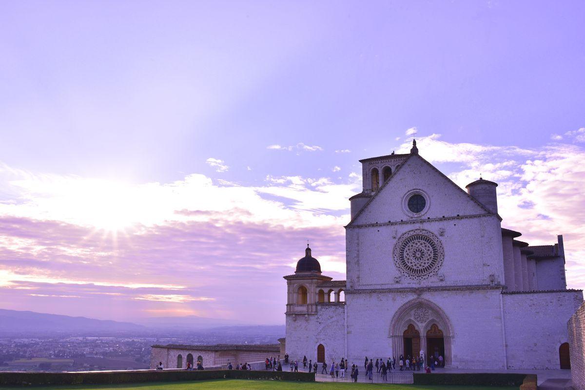 「サン・フランチェスコ聖堂」は巡礼者の最終目的地