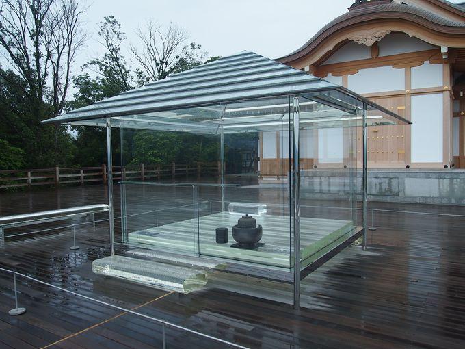 標高220メートルの大舞台にガラスの茶室 が!?