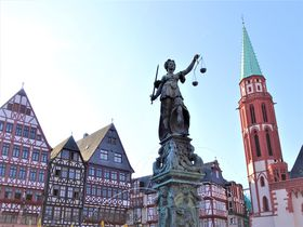 フランクフルトのおすすめ観光スポット10選 新旧ドイツを感じよう