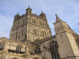 『ハリーポッター』魔法学校のロケ地!英国「グロスター大聖堂」は、世界的にも有名な教会!