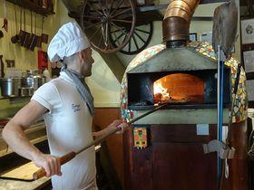 ロンドン・ノッティングヒルにある「PIZZA METRO PIZZA」で本格ピザに舌鼓