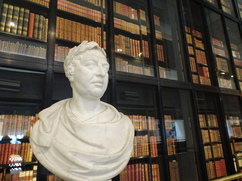 """「ダヴィンチノート」等の原本も見学できる!ロンドンの""""大英図書館"""""""