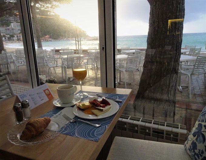 美味しいお料理と清々しい景色で始める一日