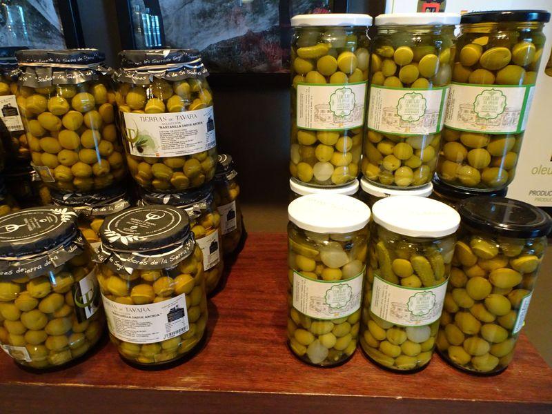 南スペイン・人気のドライブイン「アンダルシアの門」であなた好みのお土産をゲット!