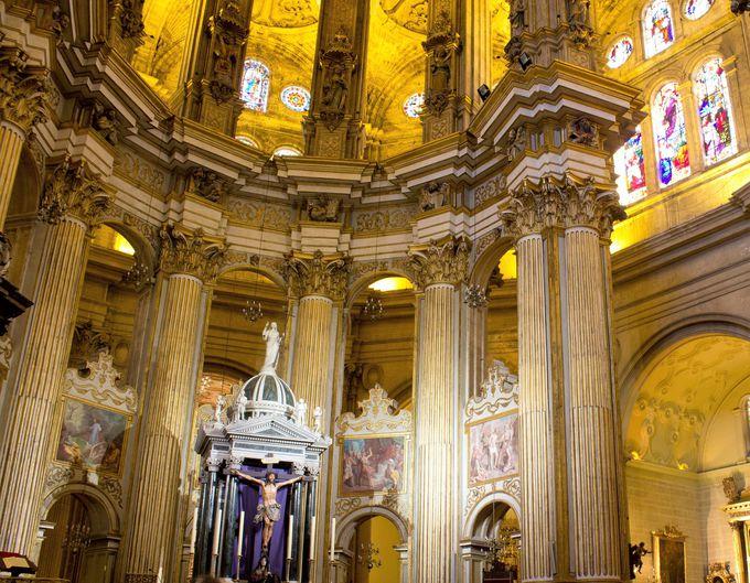 マラガの中で重要な建築物「エンカルナシオン大聖堂」