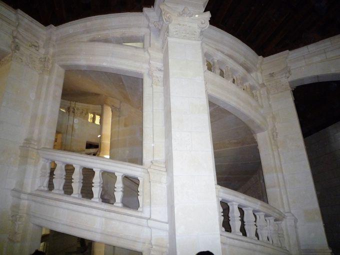 レオナルド・ダ・ヴィンチが設計した奇抜な階段