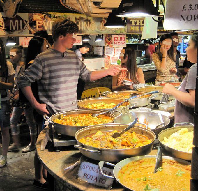 世界中の料理が食べられるフードエリア