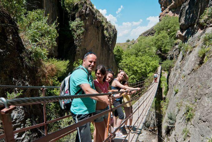 シエラネバダ国立公園ハイキングコースでどんな体験ができるか?