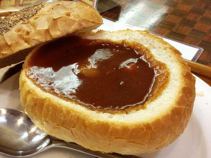 パンの中にあつあつのシチュー♪「温泉シチューパン」