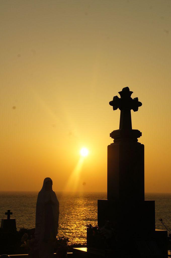 日本なのに日本でないみたい。東シナ海に静かに沈むエキゾチックな夕陽
