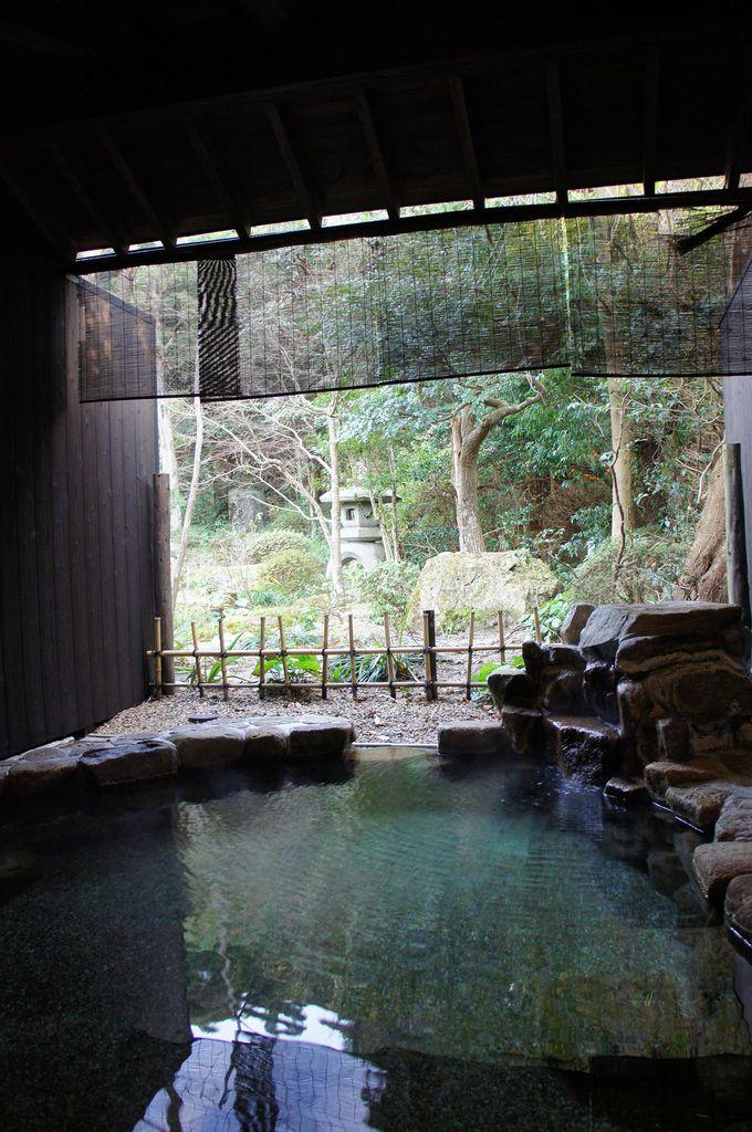 100%源泉かけ流しで、お肌にも効く美人の湯。貸切風呂三昧の宿で、それぞれのテーマを楽しむ
