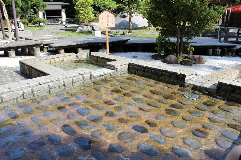 カラダに効く温泉や精神的に効果がある温泉まで9種類の泉を堪能!
