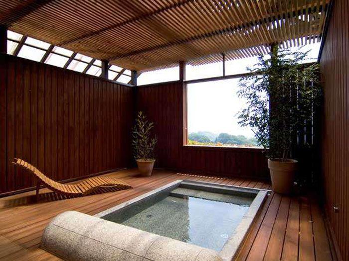 寝ながら絶景を楽しめる貸切湯「SPAKOO空」