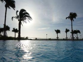 インフィニティプールで癒しを!「沖縄ホテル オリオン モトブ リゾート&スパ」美ら海水族館も徒歩圏!