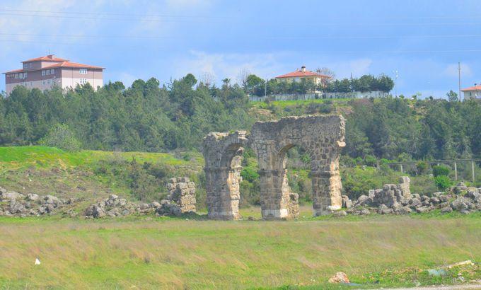 多くの種族の遺跡が重なるアンタルヤの地