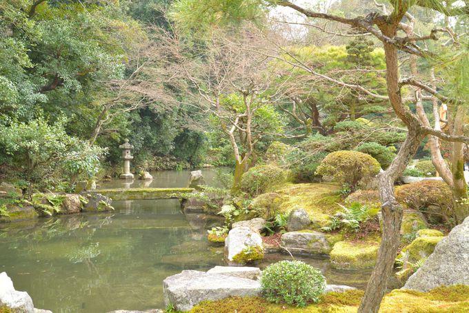 歩きやすい場所に広がる伽藍や、厳かな空気が満ちる御廟