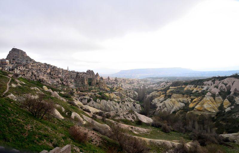 鳩の谷を一望できる洞窟ホテル!カッパドキア「ウチヒサール カヤ ホテル」