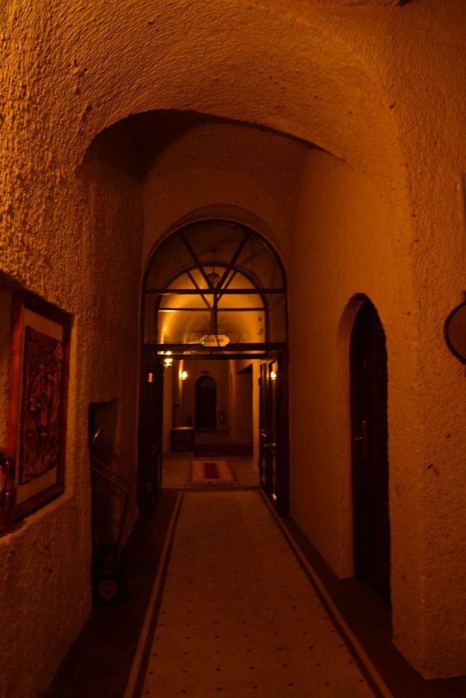 このホテルの客室は、下に向かいます。