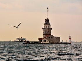 乙女の塔に、市場散策。イスタンブールのユスキュダルはここの住人気分になれる街!
