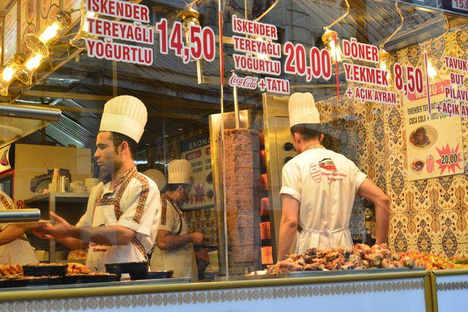 トルコ料理でケバブは外せない