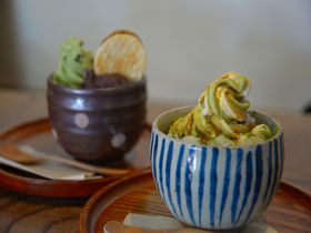 東大寺で絶対食べたい!二月堂前「龍美堂」のふわっトロッのわらびもちパフェ