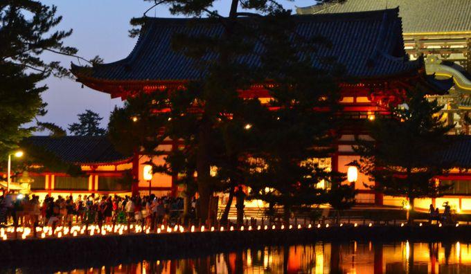 蝋燭の灯に浮かび上がる世界遺産