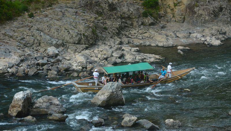 豪快な水しぶきも楽しもう!京都「保津川下り」で四季折々の美しい嵐山を満喫