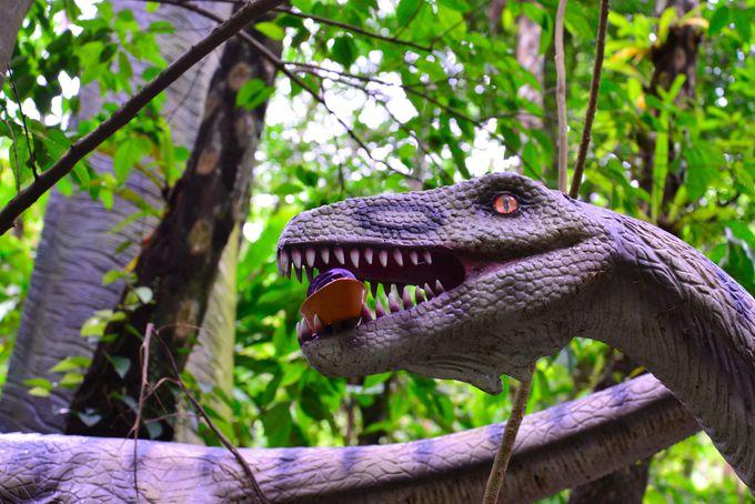 探してみよう お茶目な恐竜