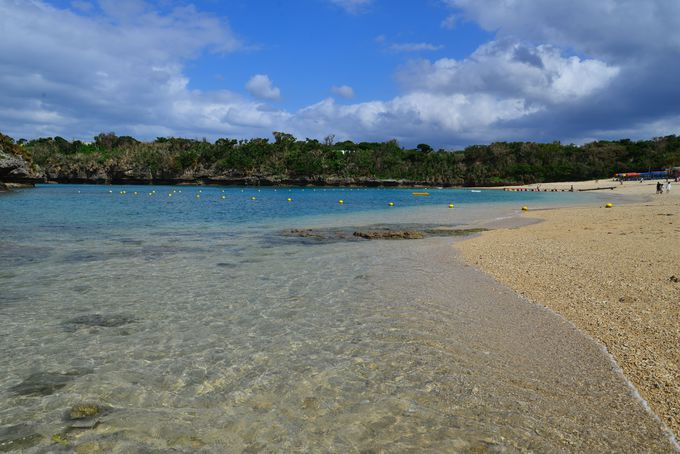 透明度に感激のビーチへ