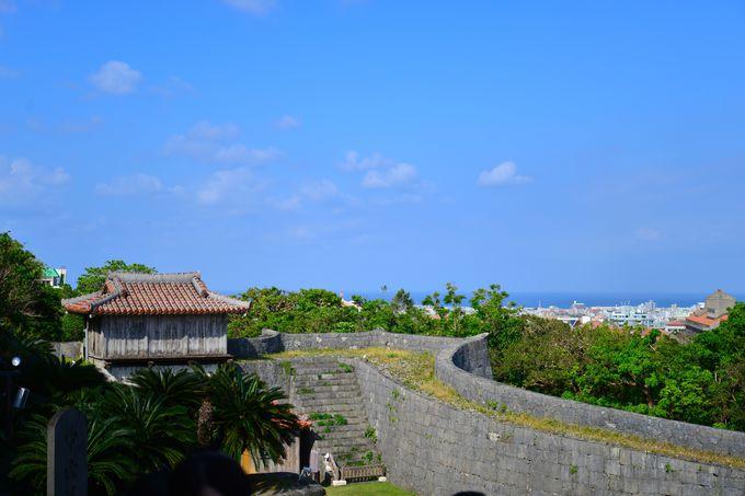 忠実に復元された琉球建築