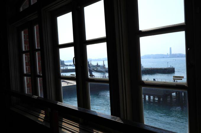 港を見渡せる展望室