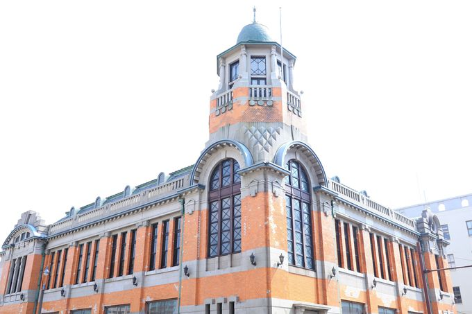 次は八角形の塔が印象的な「旧大阪商船」へ