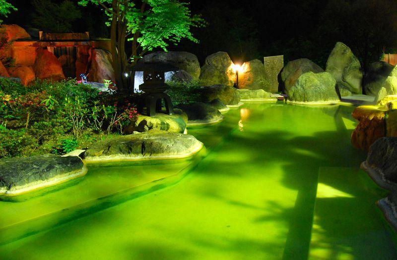 エメラルド色のここだけの超深層水温泉!奥飛騨ガーデンホテル焼岳