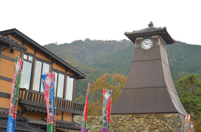 大手前通りには 日本最古の時計台も