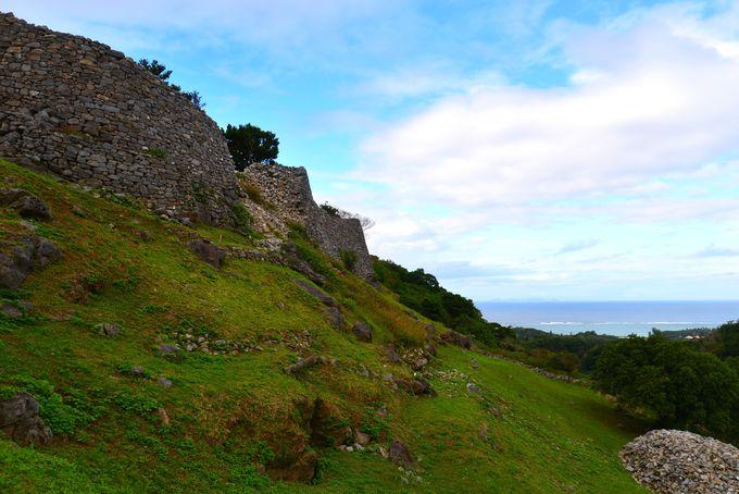安土城よりも300年も早い石垣群