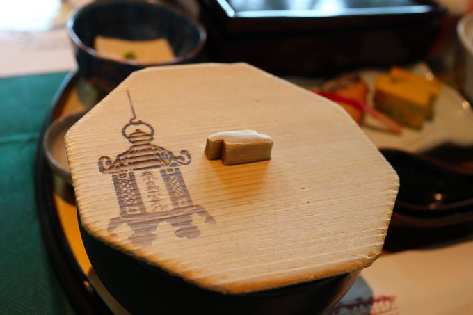 奈良の伝統食「茶粥」も選べる朝の定食