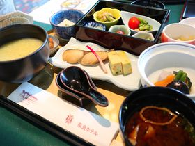 奈良ホテルのメインダイニング「三笠」で和洋・伝統の味