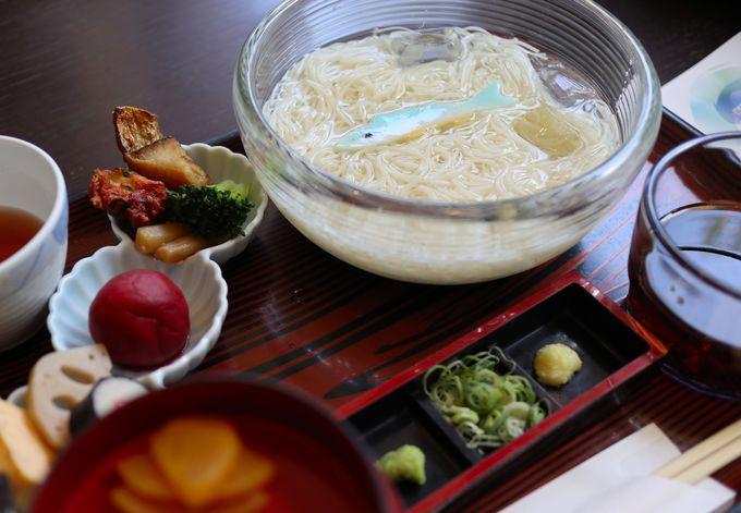 様々なそうめん料理が楽しめる「レストラン庵(いおり)」