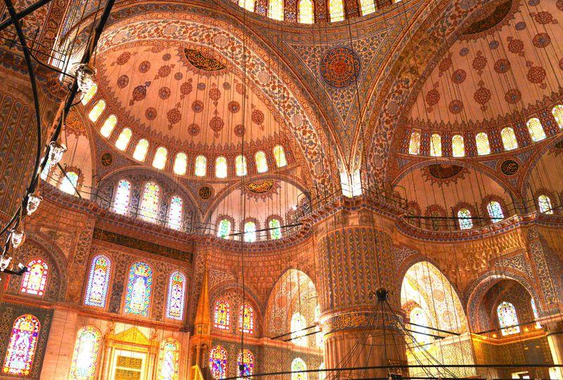 世界屈指の美空間 イスタンブール「ブルーモスク」の見処ガイド