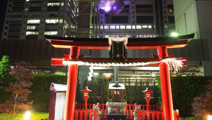 驚き!商業施設の上の神社
