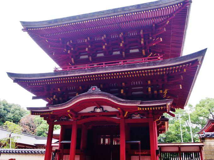 美しい神門は国指定重要文化財