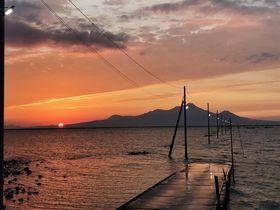 有明「長部田海床路」はおこしき海岸そば!干潟の海に沈む道の電柱復活