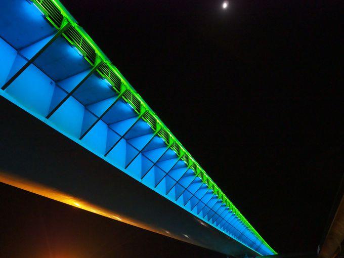 世界遺産登録記念!限定色の「ハイヤ大橋」