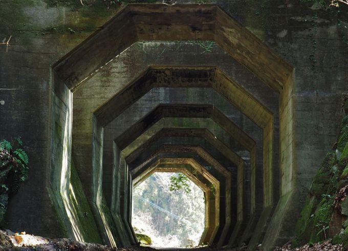 異世界!遺構「八角トンネル」