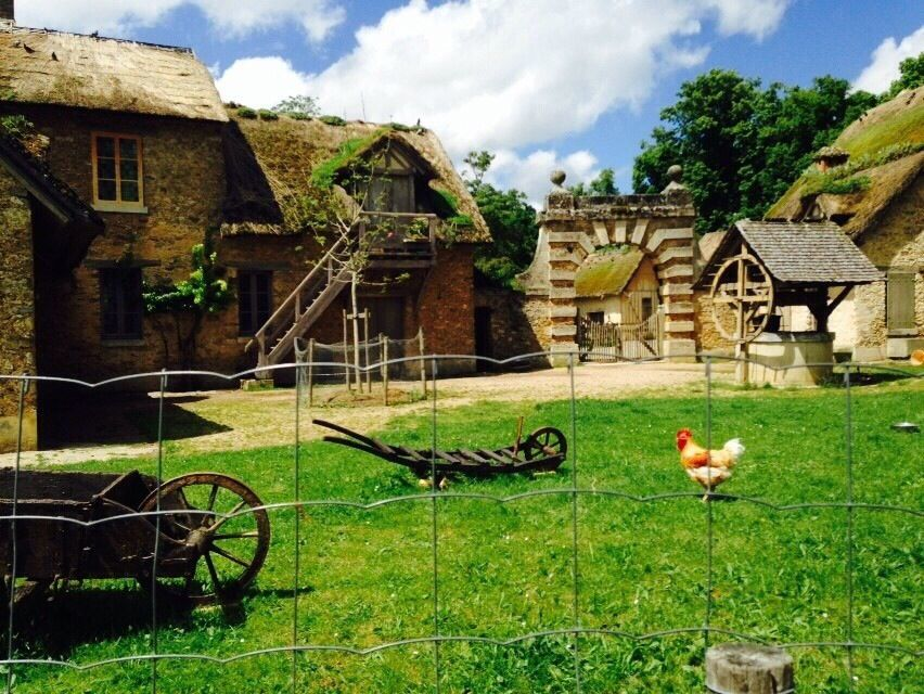 マリー・アントワネットのセンスが光る!今も植物や動物が息づく、王妃の村里