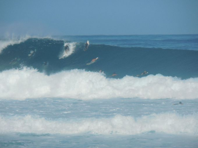 世界一のサーフィンの聖地「バンザイ・パイプライン」
