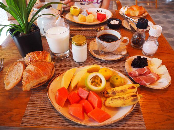 南国フルーツをふんだんに使った朝食ビュッフェでビタミンチャージ!