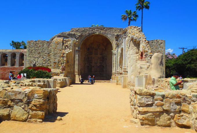 美しすぎるガーデン!240年の歴史ある建造物「ミッション」