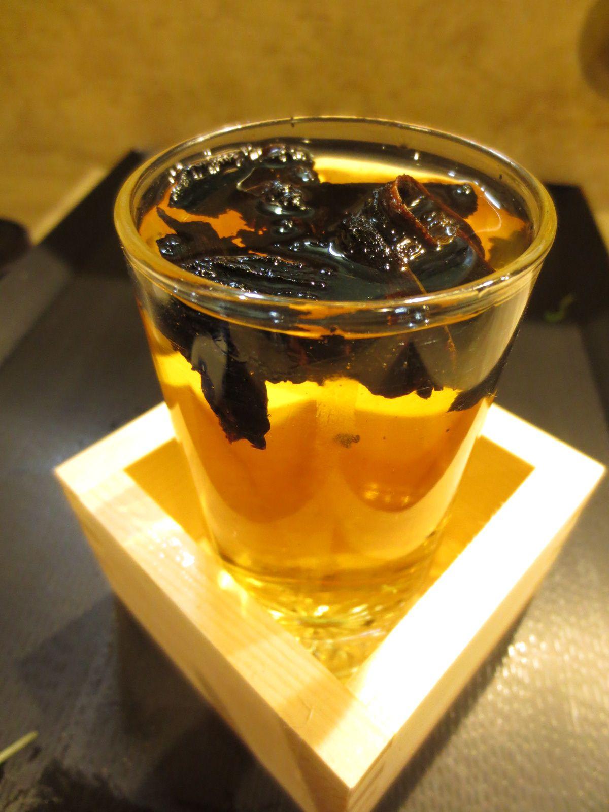 沁みまくる、黄金の「奈る実・特製ひれ酒」